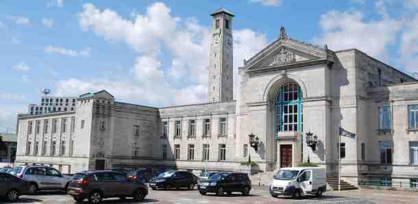 Southampton City Hall - A long time ago ... - Flickr CC - web