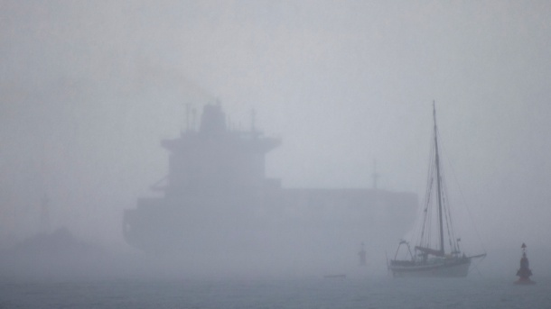container-ship-in-the-fog-colon-panama-darren-puttockflickr-cc